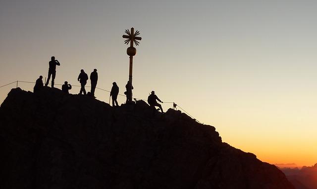 Escaladores en la cumbre
